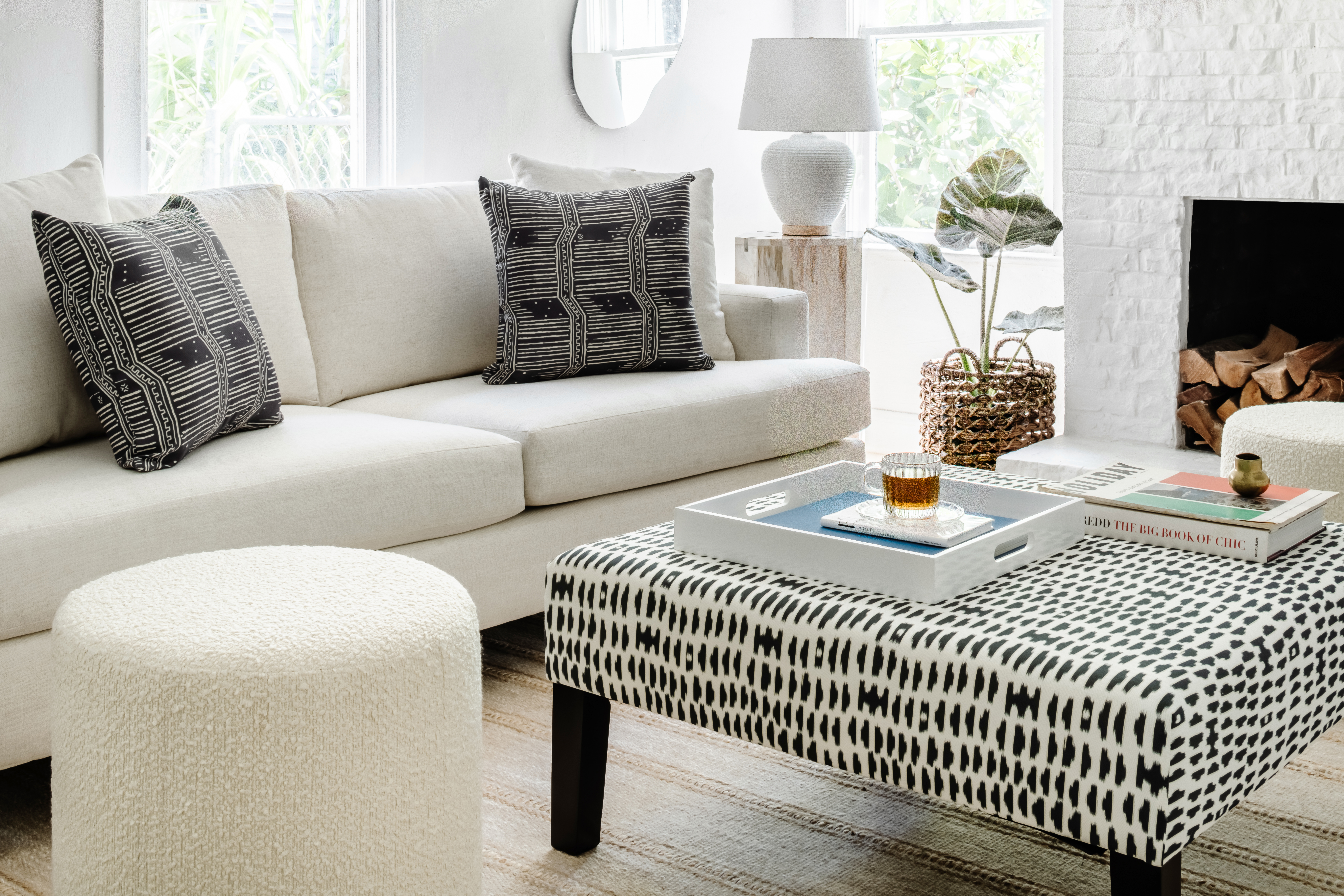 How to divide a living room into a bedroom